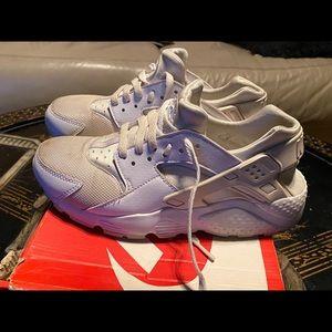 Nike Huarache Youth 6 Women 7